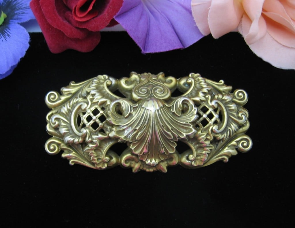 Huge CORO Vintage BROOCH! Goldtone Relief 4