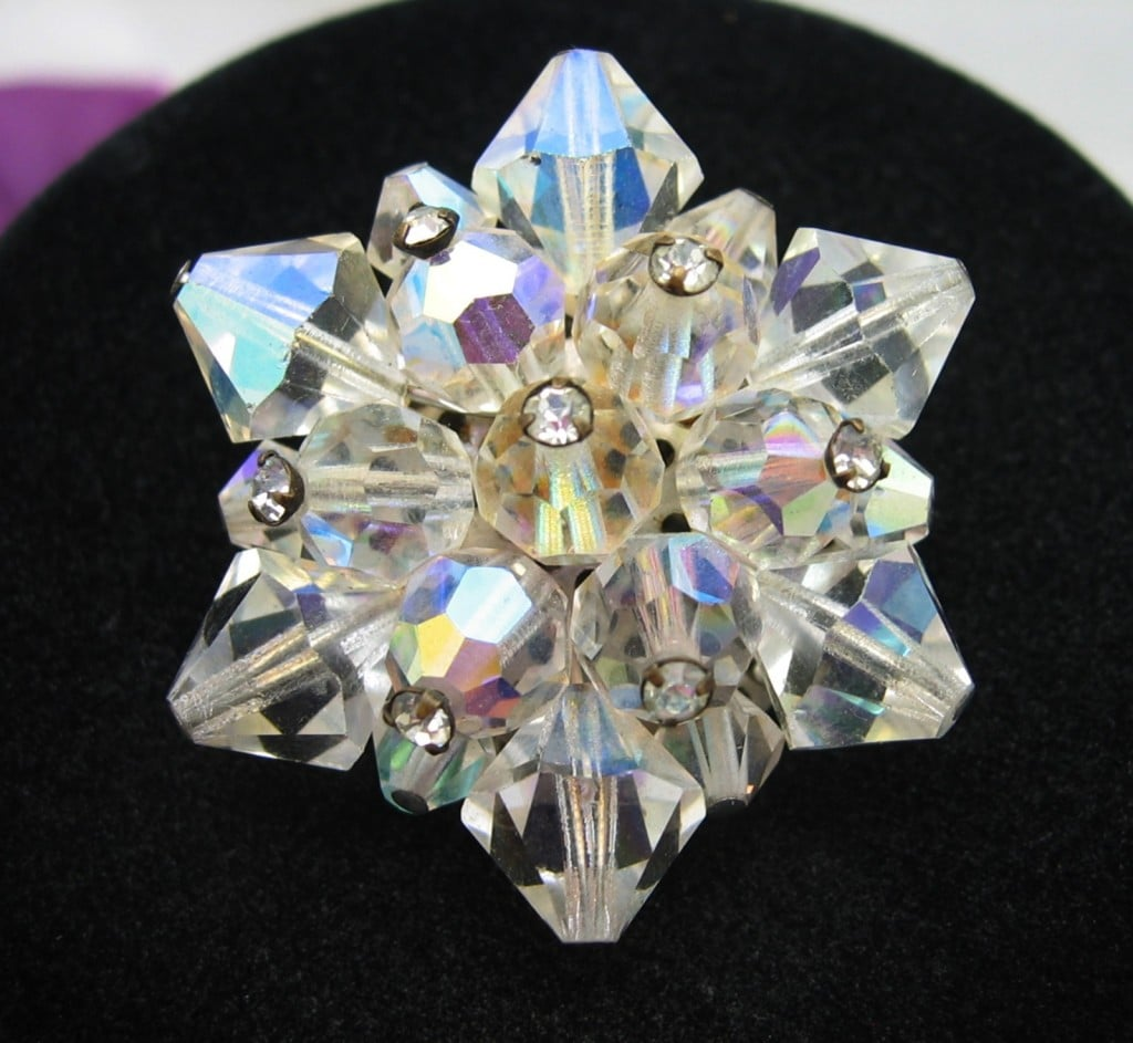 ****SOLD***** Aurora Borealis CRYSTAL BEAD STAR BROOCH with Rhinestones, Vintage PIN