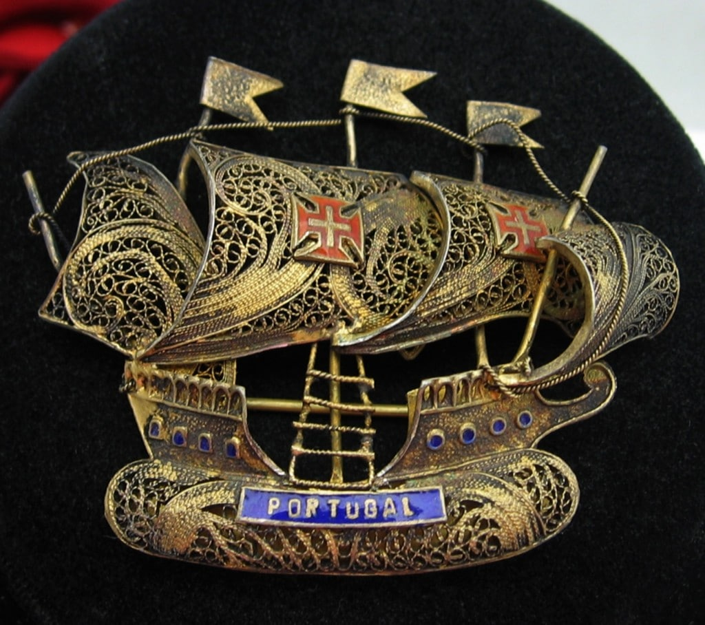 Large PORTUGAL SAILING SHIP Vintage BROOCH Goldtone Filigree, Enamel PIN